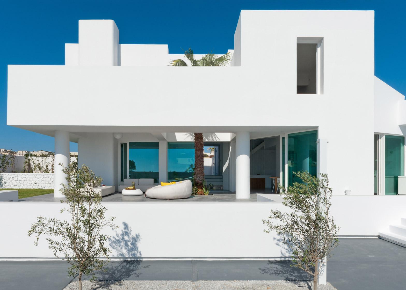 Summer-House-in-Santorini_Kapsimalis-Architects_dezeen_1568_1