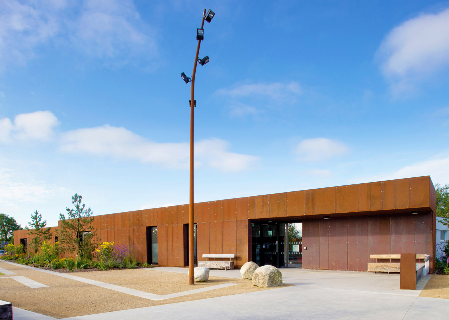 nenagh-leisure-centre-town-park-abk-architects-county-tipperary-ireland-swimming-pool_dezeen_1568_6