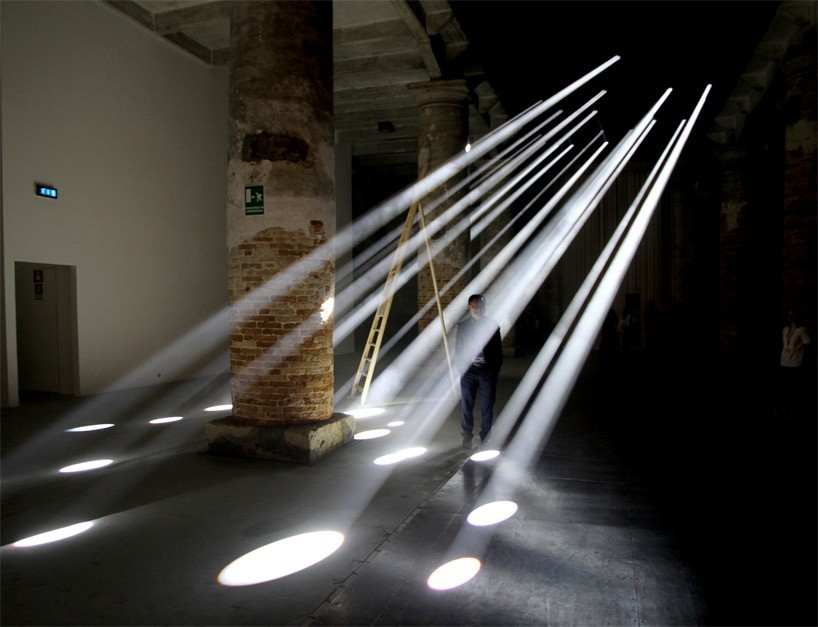 transolar-lightscapes-anja-thierfelder-venice-biennale-designboom-01-818x6271-818x627