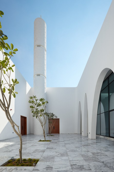 al-warqaa-mosque-ibda-design-worship-dubai-united-arab-emirates-_dezeen_936_11-468x702