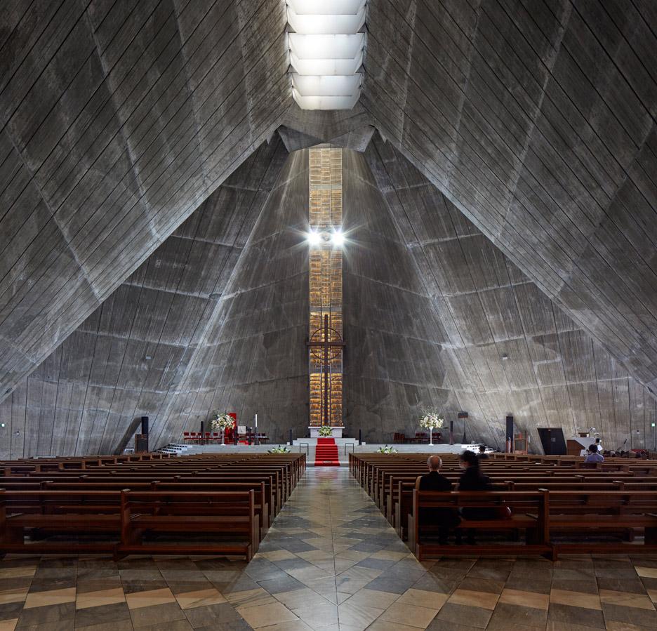 st-marys-cathedral-kenzo-tange-edmund-sumner-photography-tokyo-japan_dezeen_936_10