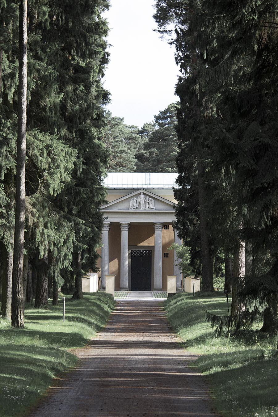 studio_esinam_woodland_cemetery_14