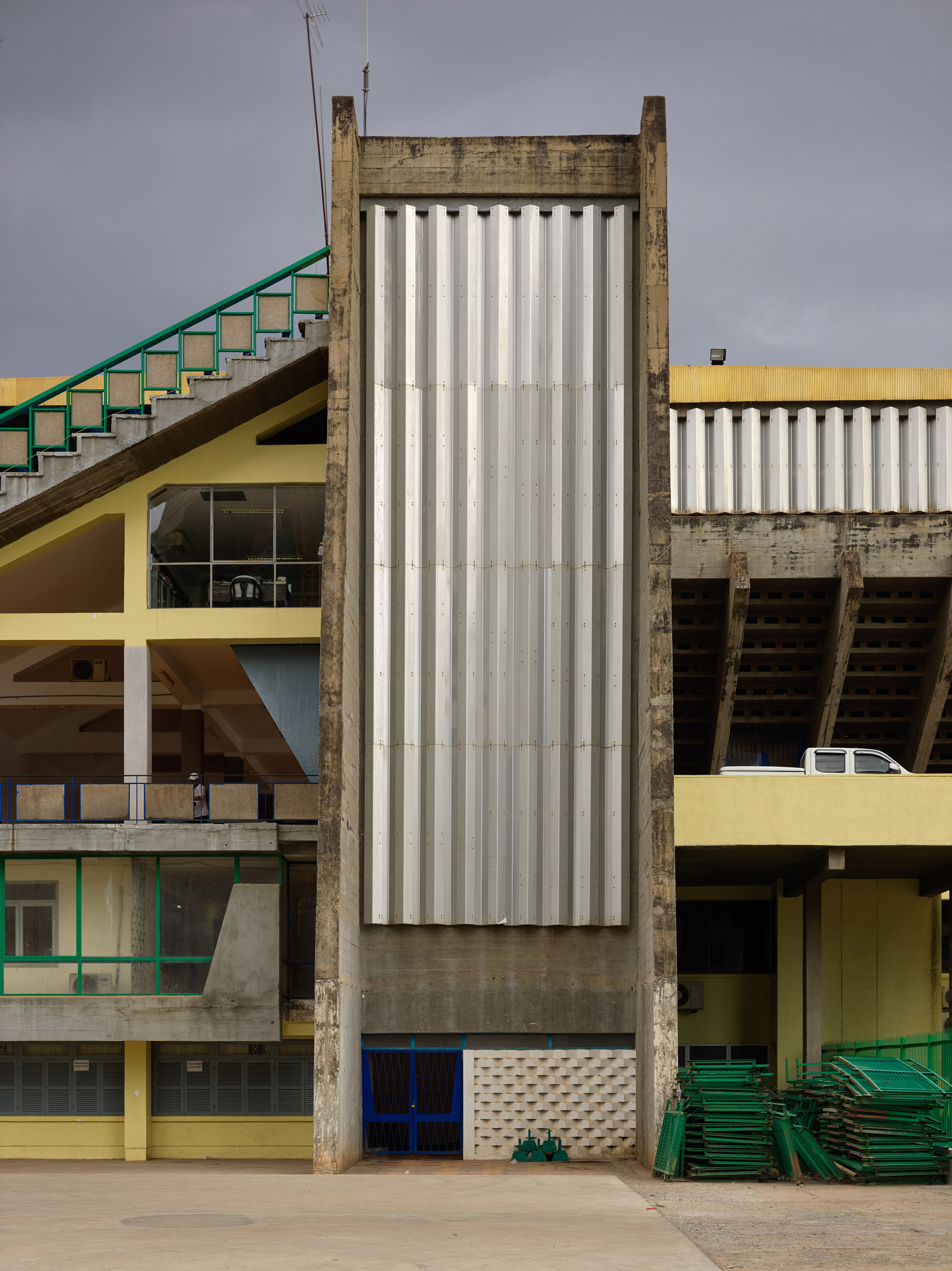 vann-molyvann-olympic-stadium-phnom-penh-cambodia-virgile-simon-bertrand-photography_dezeen_2364_col_7
