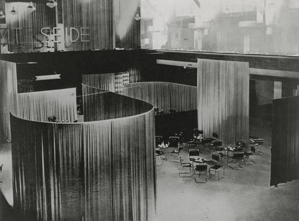 کافه مخمل و ابریشم. لیلی رایش و میس ون دررو. از MoMA