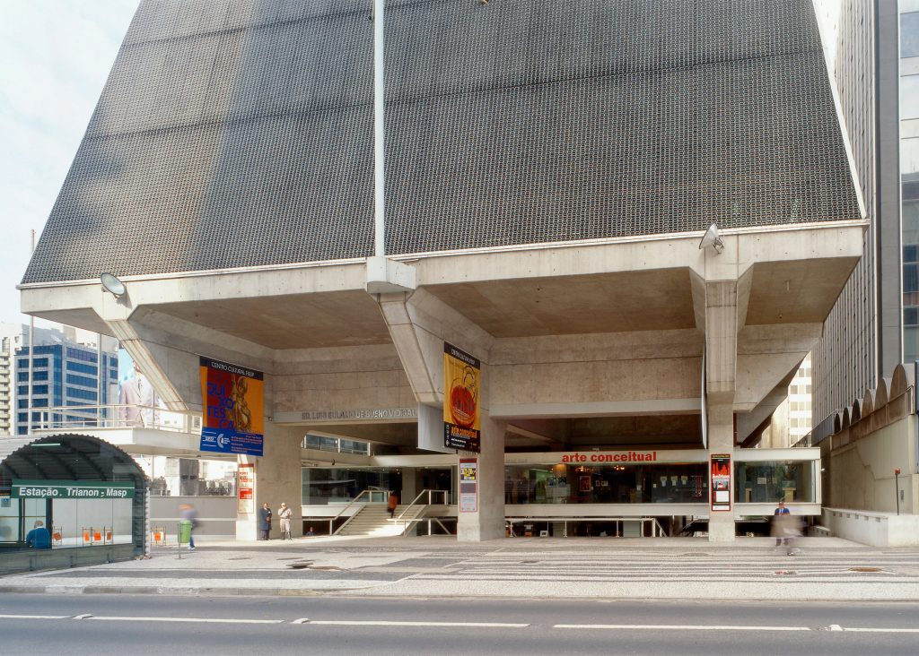 riba-gold-medal-winner-paulo-mendes-da-rocha-architecture-news_dezeen_2364_ss_4-1024x732