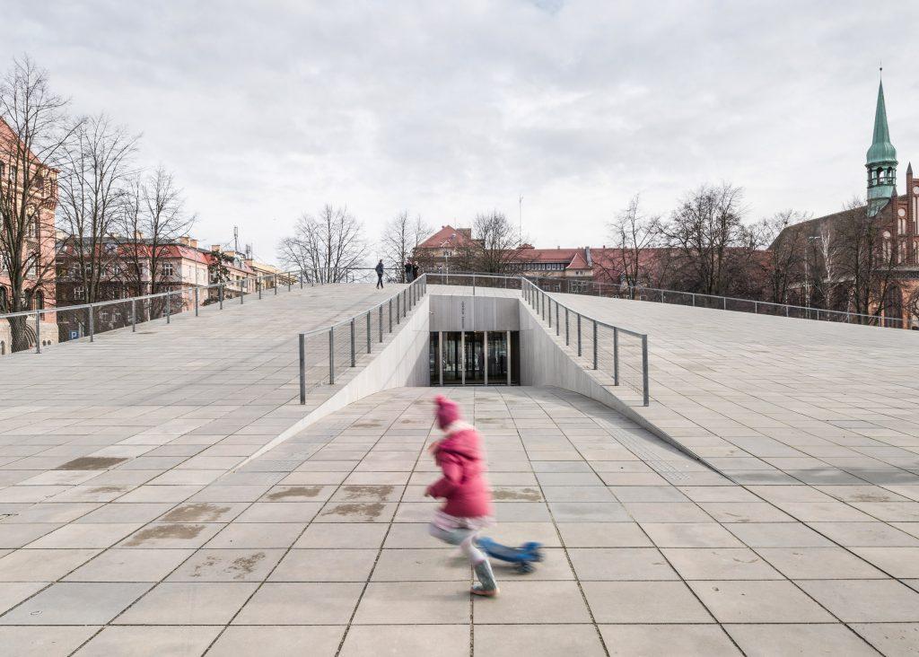 فرهنگی: موزهی ملی در ژسین، لهستان. از رابرت کونیچزنی و KWK Promes