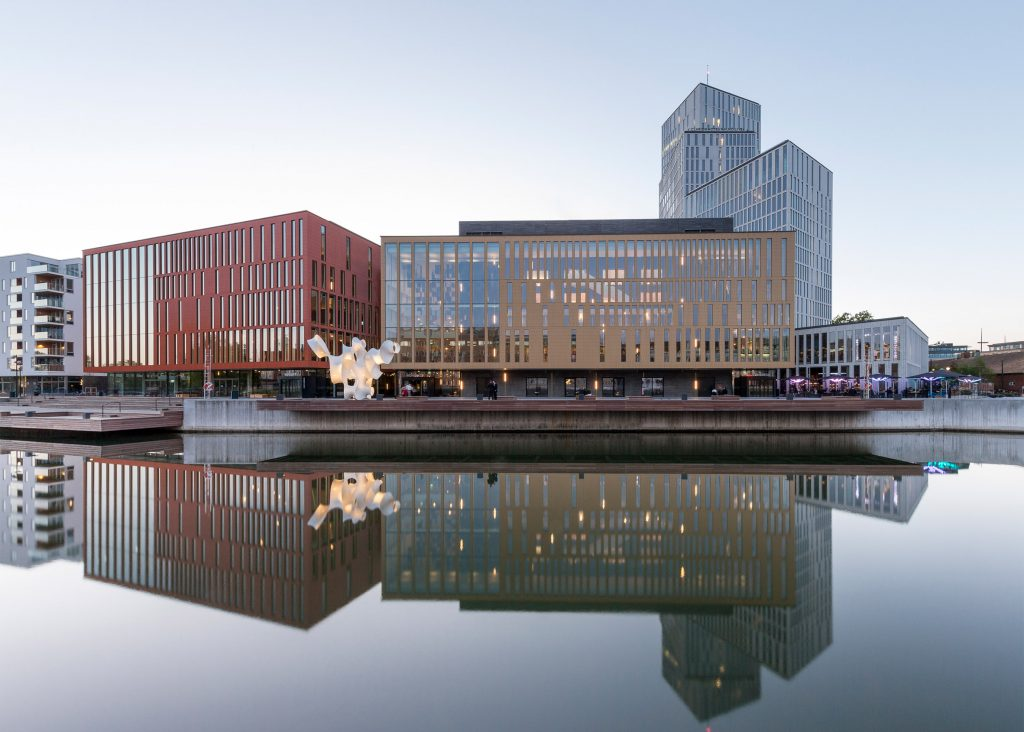 چندعملکردی: مالمو لایو، سوئد. از Schmidt Hammer Lassen Architects