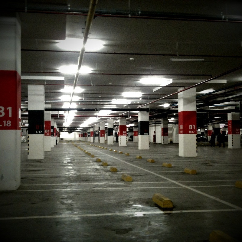 Gandaria City Parking Lot. © gueamu/Flickr