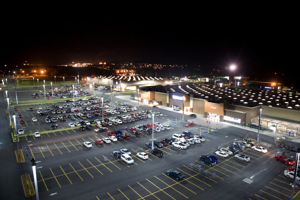 LED Parking lot lights at Walmart Puerto Rico, © Walmart/Flickr