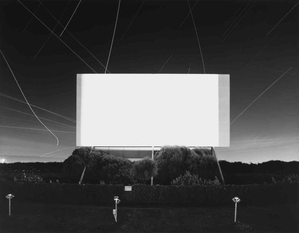 مشهورترین مجموعه عکس او مناظردریایی است: تصاویری واید از اقیانوسی اغلب آرام و همیشه ناگویا. گروه U2 یکی از این تصاویر را، به نام بودِنزی ، بر روی جلد آلبوم «خطی در افق نیست » استفاده کردند.