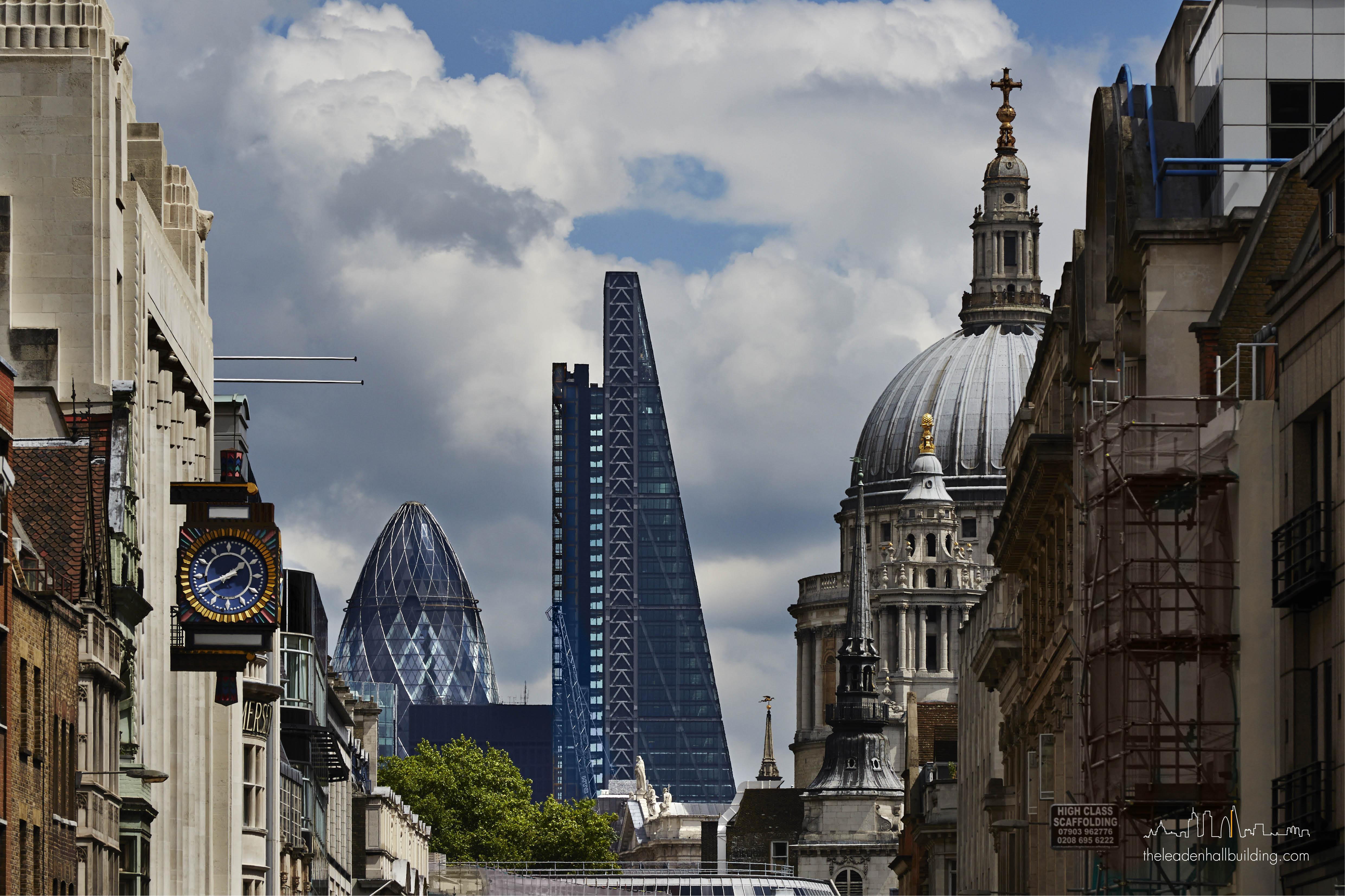 ساختمان لیدن هال لندن، ملقب به «رندهی پنیر» (۲۰۱۴)
