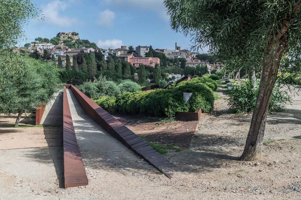 Forest park, Begur. Girona 1998 . 2005