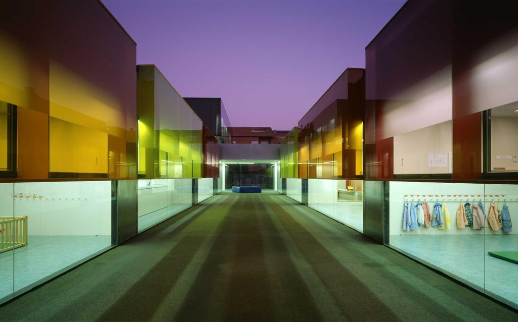 """Els Colors"" Kindergarten, Manlleu. Barcelona 2001 . 2004"