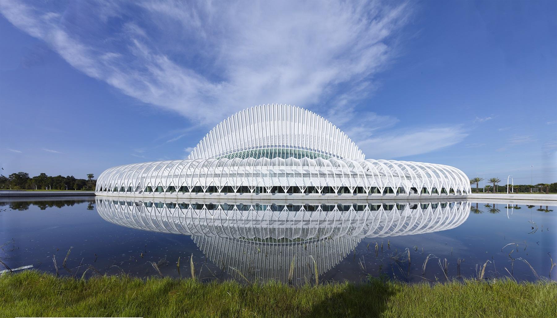 ساختمان نوآوری، علم و فناوری دانشگاه پلی تکنیک فلوریدا، اثر سانتیاگو کالاتراوا
