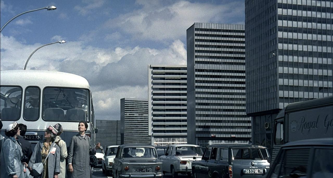 منظر شهری فیلم زنگ تفریح، اثر ژاک تاتی