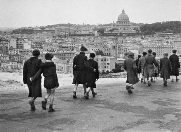 رم؛ شهر بی دفاع، کارگردان روبرتو روزلینی (Roberto Rossellini)