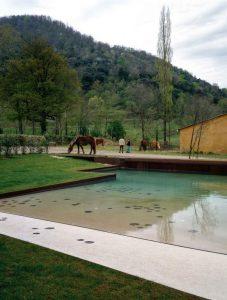 "Pond and exteriors in ""La Vila"" de Trincheria, Bianya. Girona 2002 . 2003"